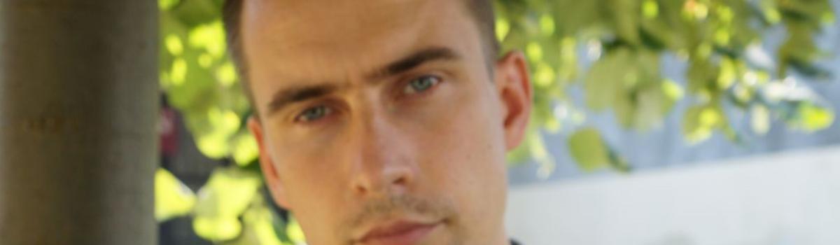 Dominik Chwolik – wychowawca kl. 7, koordynator kl. 4-8, nauczyciel języka polskiego