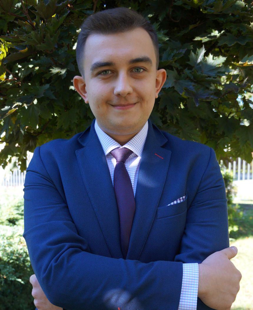 Krzysztof Górecki - wychowawca klasy 2, katecheta